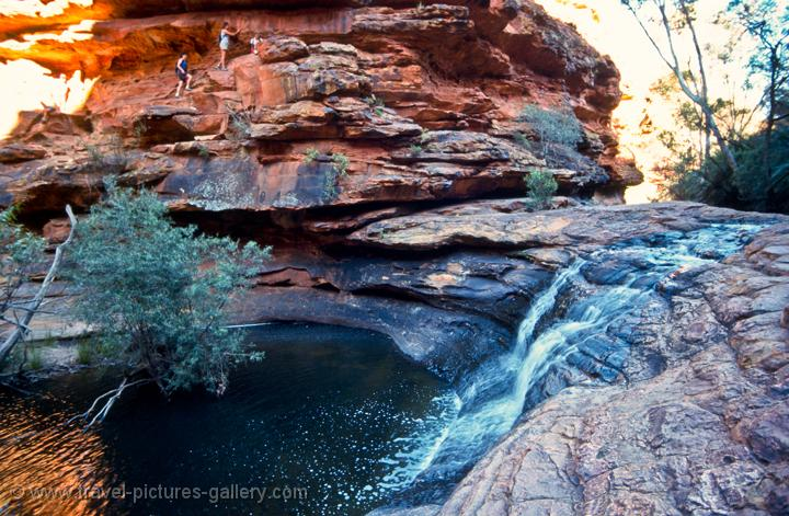 how to go to king canyon from ayers rock