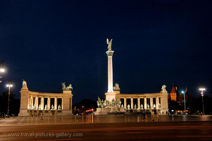 Travel Pictures Gallery Budapest 0084 Hero S Square By Night