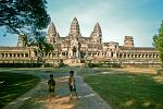 kids in front of Angkor Wat temple