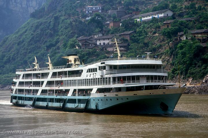 Pictures Of China Yangtze 0014 A River Cruise Ship