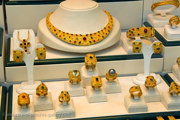 Fira jewelry shop catering to wealthy cruise ship passengers