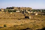 the fortress of Jaisalmer lies in the Thar Desert
