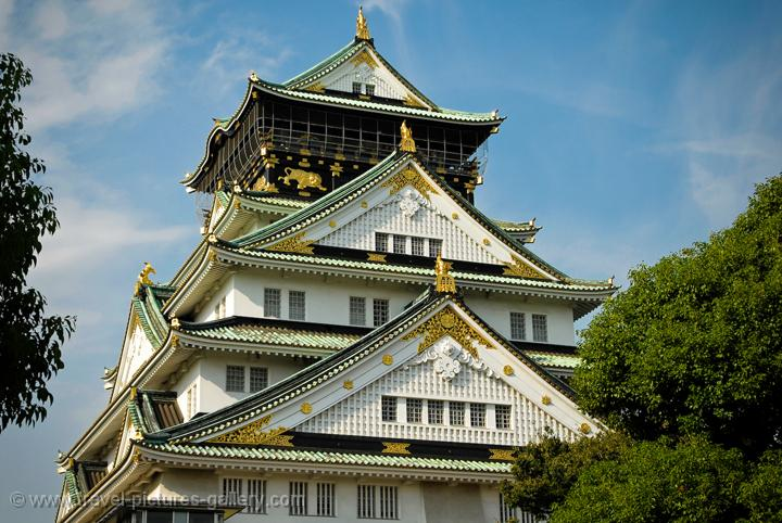 Pictures of Japan - Osaka - Osaka Castle, Osaka-jo, a reconstruction finished in 1997
