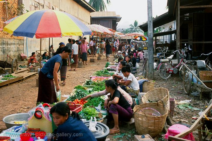 women at the daily market