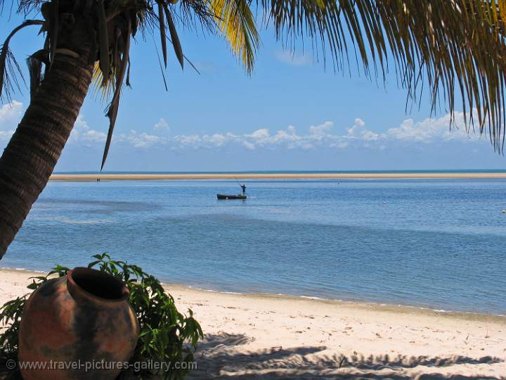 Mozambique - relaxing on Bazaruto Island