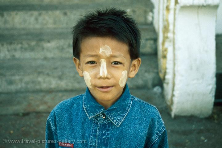 boy with sun protecting make-up (Tanaka bark)
