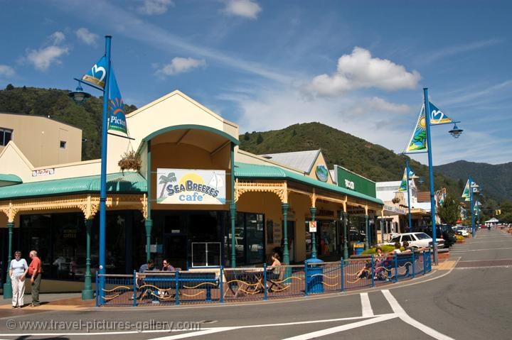 shops and cafes in Picton