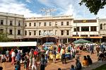 market stalls in downtown Dunedin