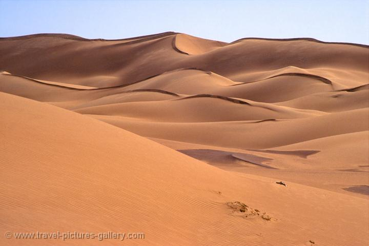 Pictures of Oman - sand dunes, desert landcape