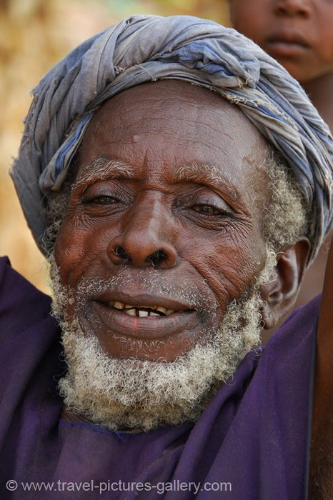 Mali - Dogon Valley - smiling old man, Dogon People