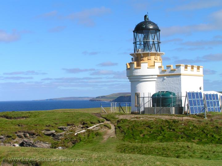 Pictures of Scotland - Orkney Islands - Brough of Birsay, Brough Head lighthouse