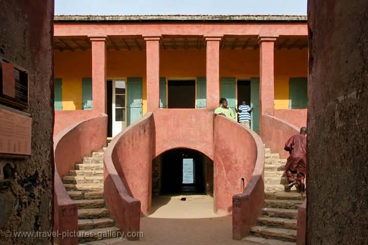pictures of senegal goree 0010 the maison des esclave house