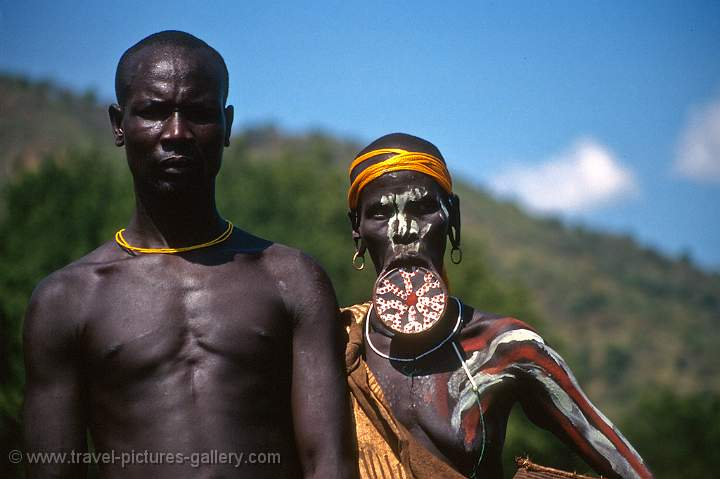 Pictures of South Ethiopia-0006 - Omo Valley, Mursi people: www.travel-pictures-gallery.com/imagepageseth0006.html