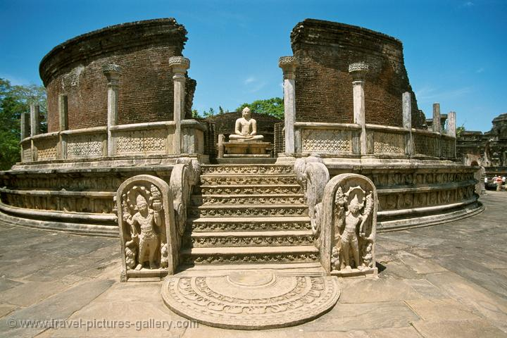 Pictures of Sri Lanka - Polonnaruwa - the Vatadage, Polonnaruwa was ...
