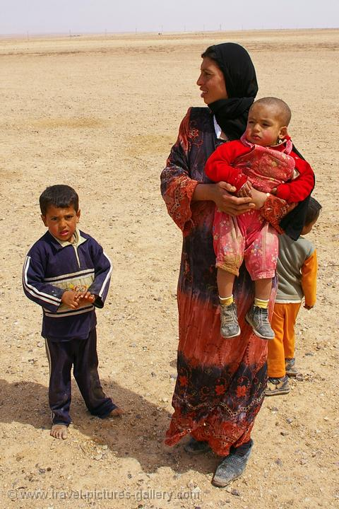 Pictures of syria bedouin people