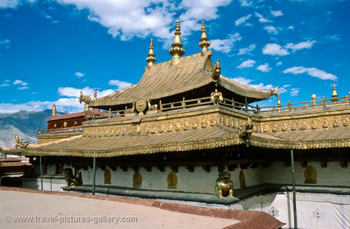 the gilded roof of the Jokhang Temple
