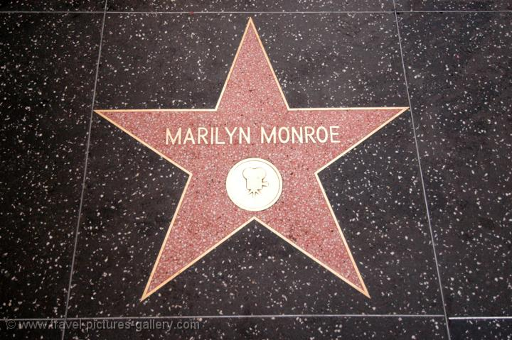 324048135663330459 likewise 2 as well 15614 Venden Auto Mas Bello Del Mundo also Los Angeles 0005 in addition Chinese Mall Installs 26ft Tall Flying Skirt Monroe Statue. on marilyn monroe california