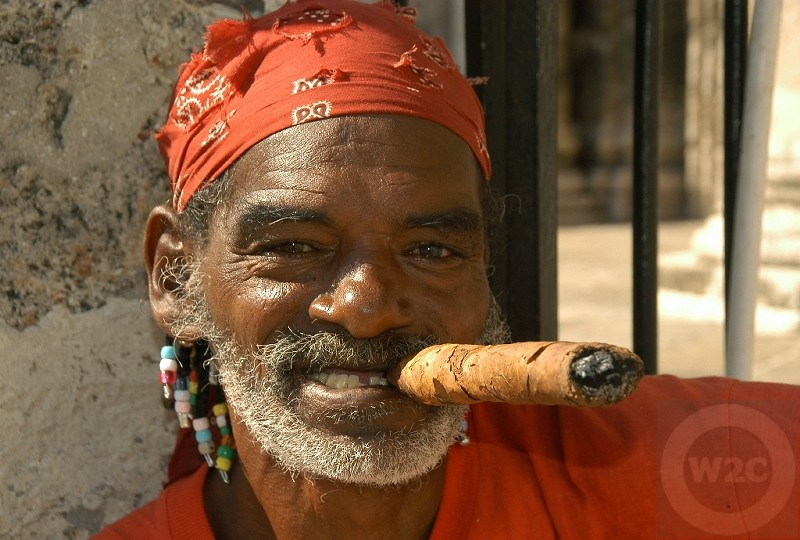 Cuba - smoke that cigar, Havana Vieja